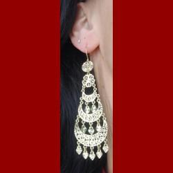 Boucles d 'oreilles orientales 3 étages or 18 carats
